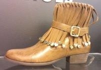 Maithê Luxury Shoes - Um luxo mesmo, a mescla entre as franjas e o metalizado na medida perfeita! me apaixonei!